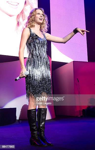 Taylor Swift performs at Philips Arena on June 13, 2009 in Atlanta, Georgia.