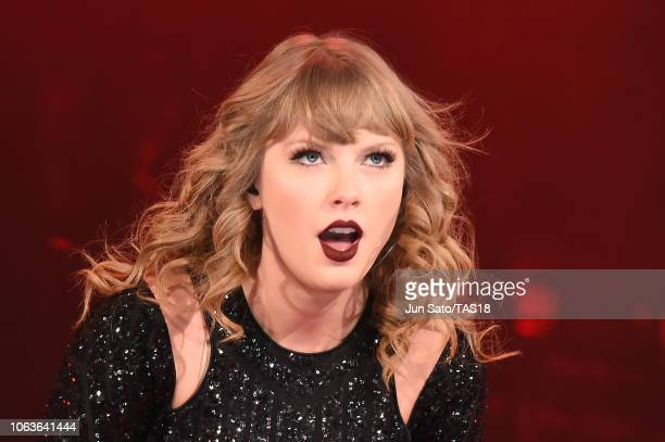 Taylor Swift performs at Tokyo Dome on November 20 2018 in Tokyo Japan
