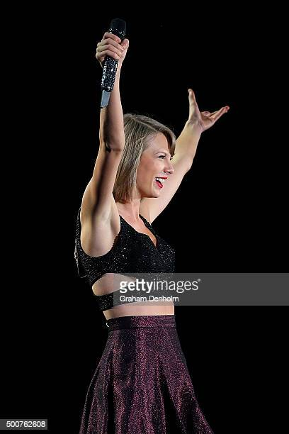 Taylor Swift performs during her '1989' World Tour at AAMI Park on December 10 2015 in Melbourne Australia