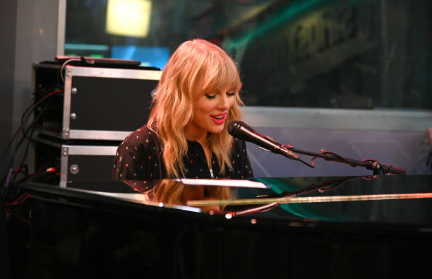 NY: SiriusXM's Town Hall Special With Taylor Swift At The SiriusXM Studios In New York City