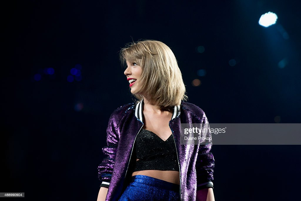 Taylor Swift performs during The 1989 World Tour at Nationwide Arena on September 18, 2015 in Columbus, Ohio.