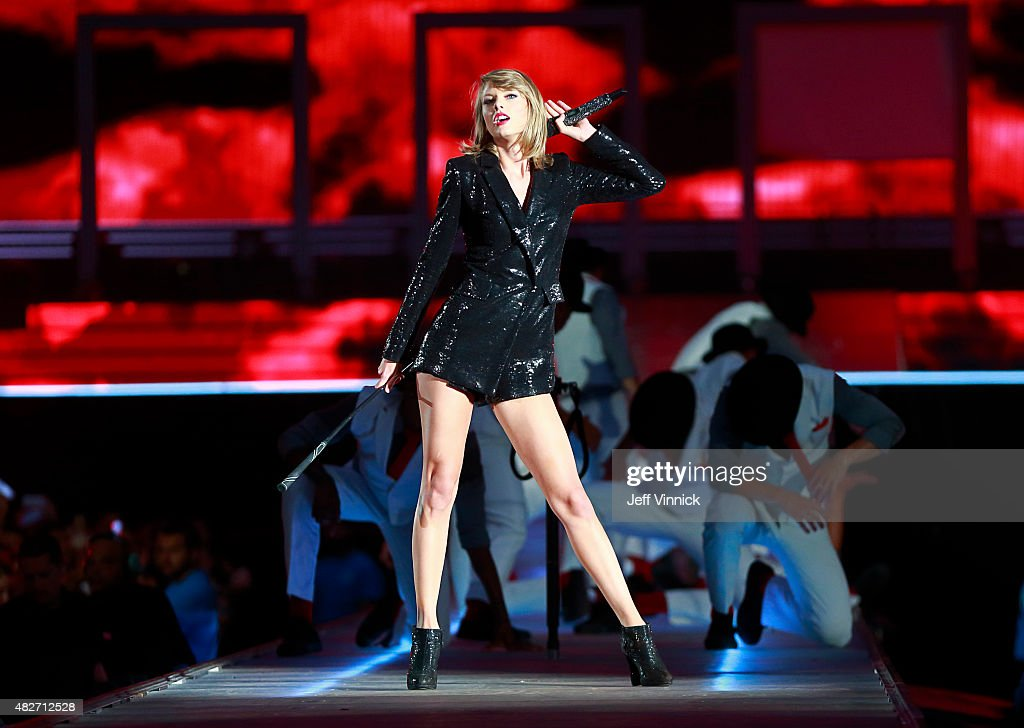 Taylor Swift The 1989 World Tour Live In Vancouver : News Photo