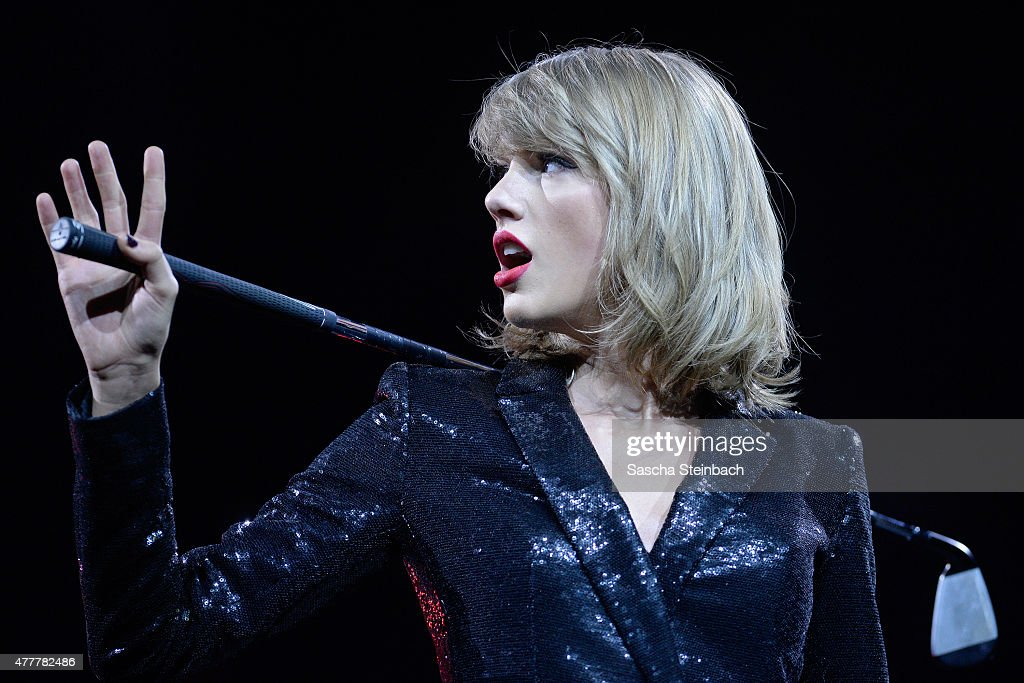 Taylor Swift The 1989 World Tour Live In Cologne - Night 1 : News Photo