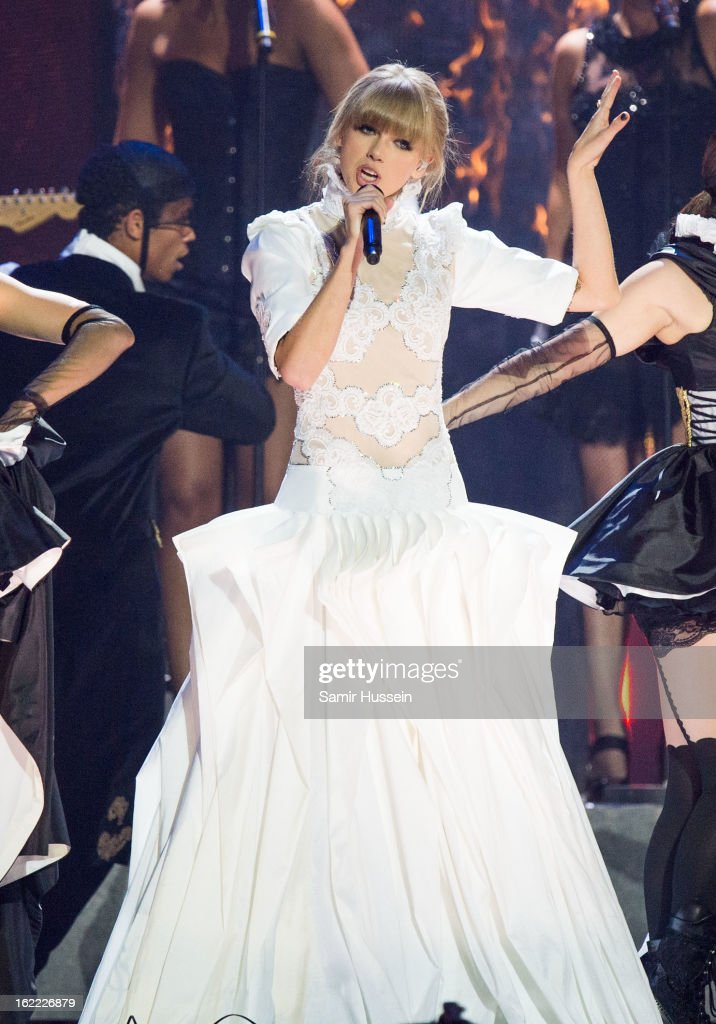 Taylor Swift performs during the Brit Awards 2013 at the 02 Arena on February 20, 2013 in London, England.