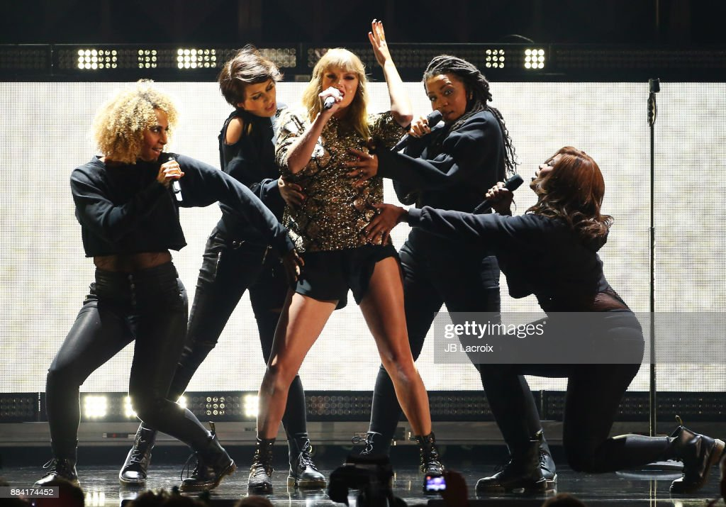 Taylor Swift performs on stage during the 102.7 KIIS FM's Jingle Ball 2017 on December 01, 2017 in Los Angeles, California.