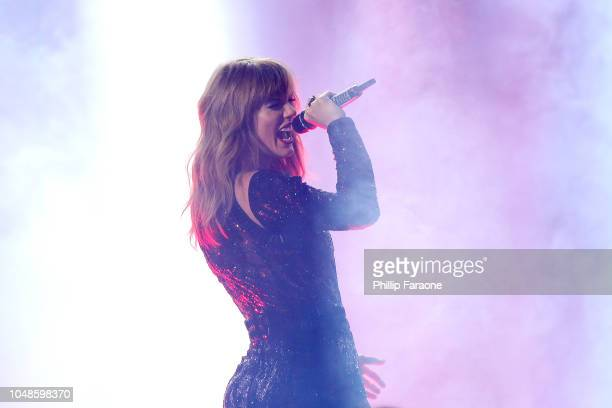 Taylor Swift performs onstage at the 2018 American Music Awards at Microsoft Theater on October 9 2018 in Los Angeles California