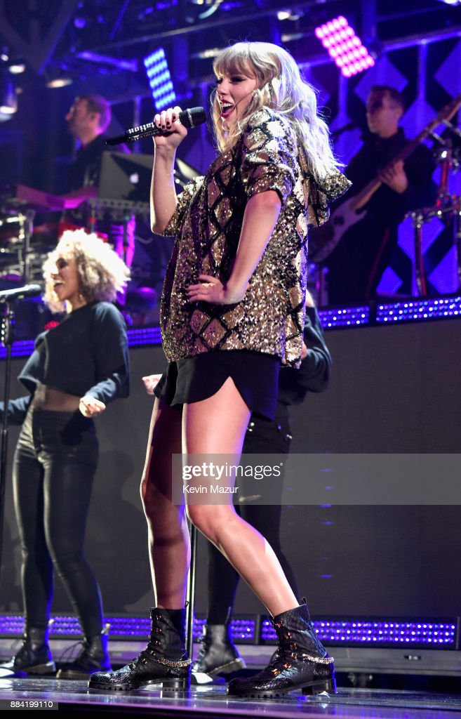 Taylor Swift performs onstage during 102.7 KIIS FM's Jingle Ball 2017 presented by Capital One at The Forum on December 1, 2017 in Inglewood, California.
