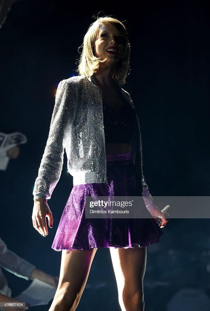 Taylor Swift performs onstage during The 1989 World Tour on June 12, 2015 at Lincoln Financial Field in Philadelphia, Pennsylvania.