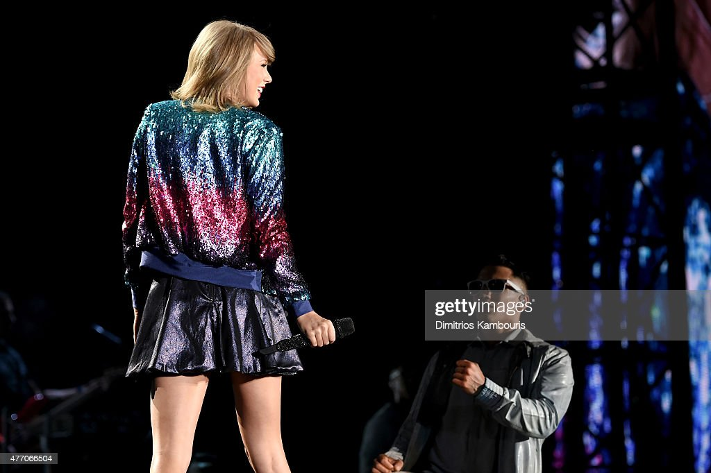 Taylor Swift performs onstage during The 1989 World Tour on June 13, 2015 at Lincoln Financial Field in Philadelphia, Pennsylvania.
