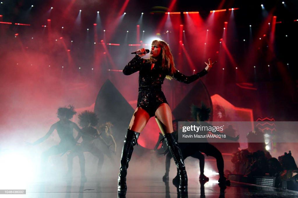 2018 American Music Awards - Inside : News Photo