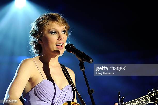 Taylor Swift performs onstage during the 41st Annual Songwriters Hall of Fame Ceremony at The New York Marriott Marquis on June 17, 2010 in New York...