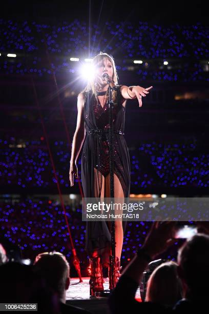 226 Taylor Swift Gillette Photos And Premium High Res Pictures Getty Images
