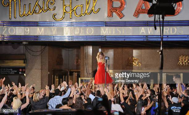 Taylor Swift performs outside the 2009 MTV Video Music Awards at Radio City Music Hall on September 13 2009 in New York City