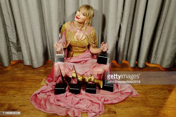 Taylor Swift poses during the 2019 American Music Awards at Microsoft Theater on November 24 2019 in Los Angeles California