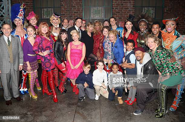 Taylor Swift poses with the cast backstage at the hit musical Kinky Boots on Broadway at The Al Hirschfeld Theater on November 23 2016 in New York...