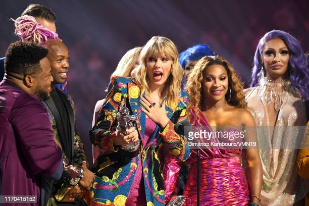 Taylor Swift receives award onstage during the 2019 MTV Video Music Awards at Prudential Center on August 26 2019 in Newark New Jersey
