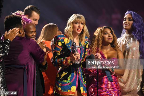 Taylor Swift receives 'Video of the Year Award' onstage during the 2019 MTV Video Music Awards at Prudential Center on August 26 2019 in Newark New...