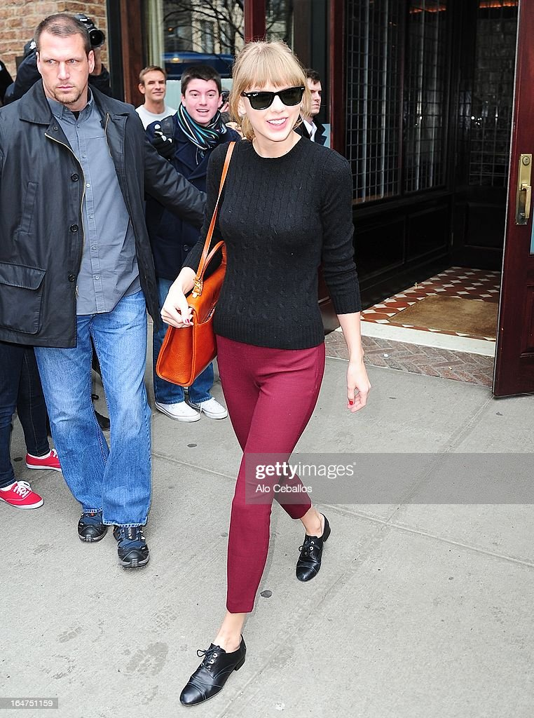 Taylor Swift Sighting In New York City - March 27, 2013 : News Photo