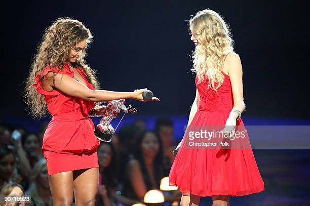 Taylor Swift talks to Beyonce before she allowed her to finish her speech that was cut short by Kanye West after Beyonce won Best Video of the Year...