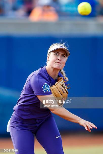 Taylor Van Zee of Washington throws to first base during the Division I Women's Softball Championship held at USA Softball Hall of Fame Stadium OGE...
