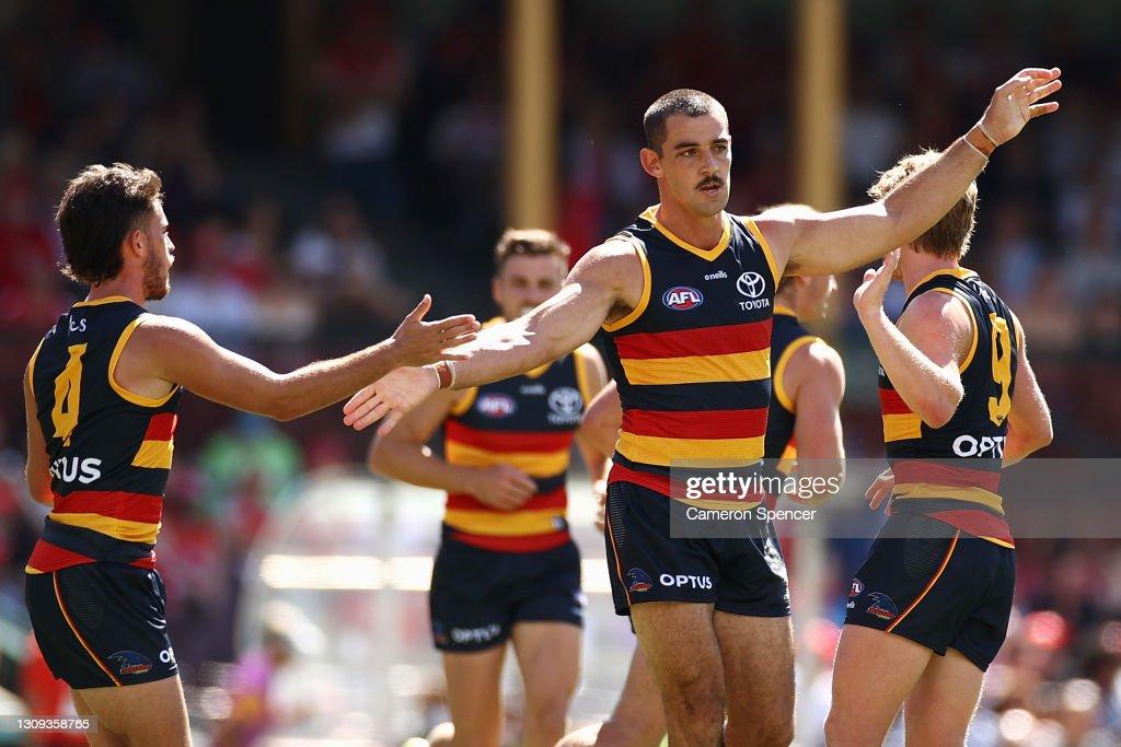 AFL Rd 2 - Sydney v Adelaide : News Photo