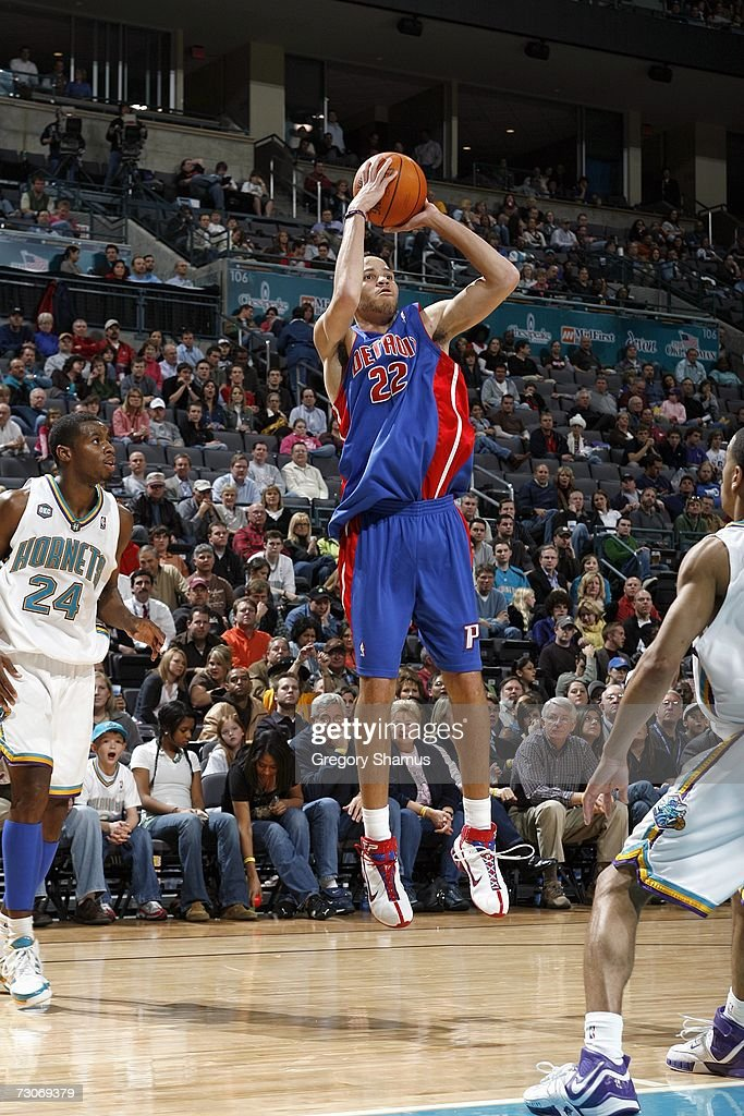 Tayshaun Prince #22 of the Detroit Pistons makes a jump shot against Desmond Mason #24 of the New Orleans/Oklahoma City Hornets on January 4, 2007 at the Ford Center in Oklahoma City, Oklahoma.