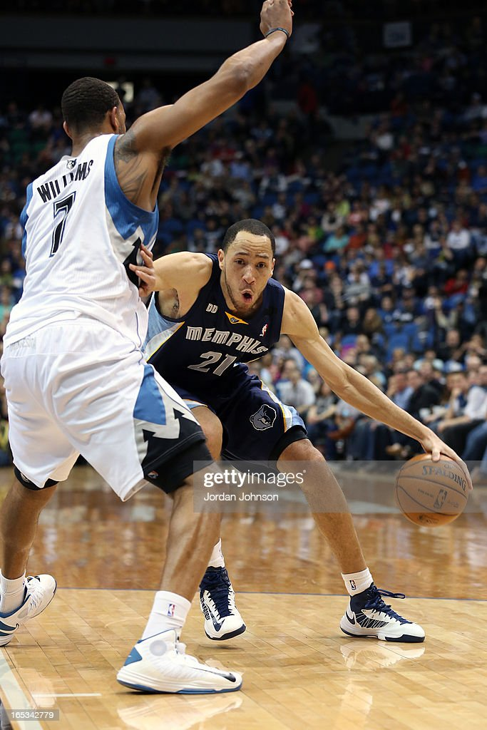 Tayshaun Prince #21 of the Memphis Grizzlies drives to the basket against the Minnesota Timberwolves on March 30, 2013 at Target Center in Minneapolis, Minnesota.