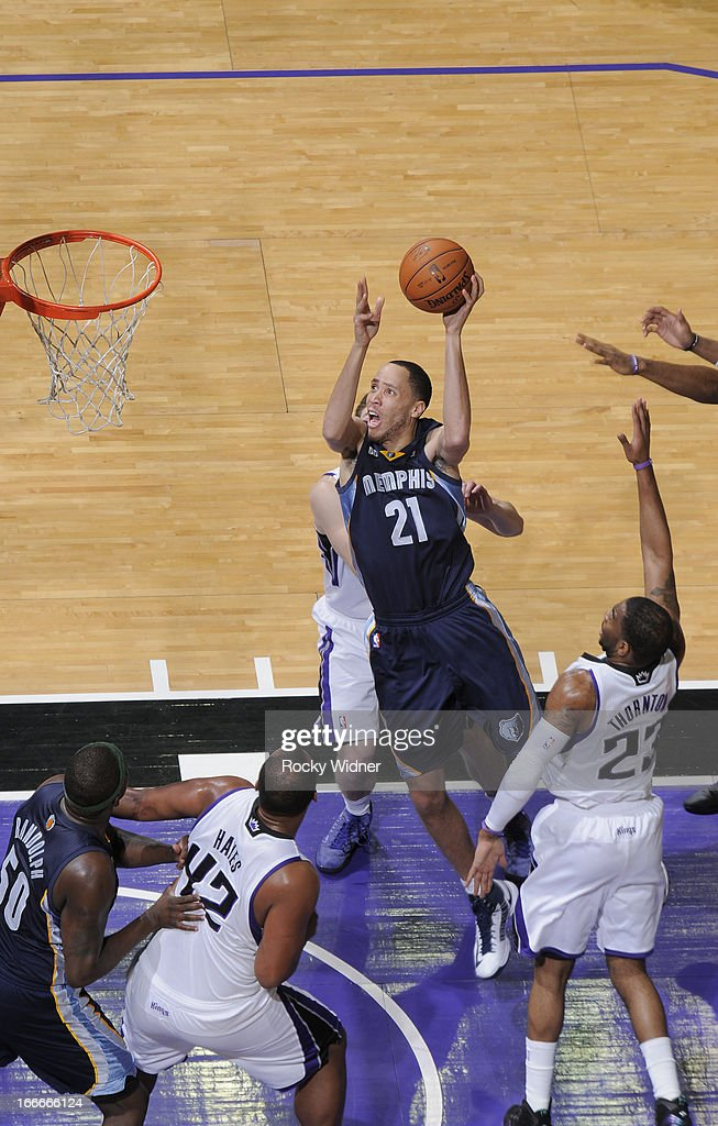 Tayshaun Prince #21 of the Memphis Grizzlies shoots against the Sacramento Kings on April 7, 2013 at Sleep Train Arena in Sacramento, California.