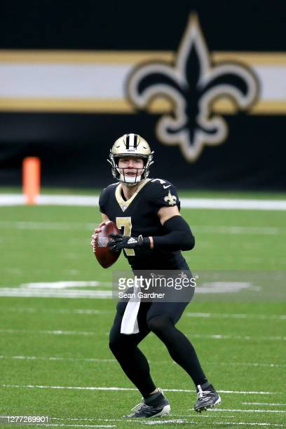 Taysom Hill of the New Orleans Saints looks to pass during a NFL game against the Green Bay Packers at Mercedes-Benz Superdome on September 27, 2020...
