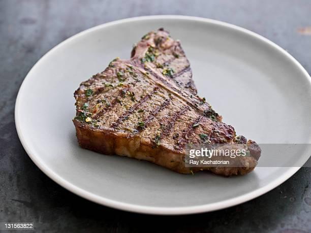 tbone steak - bistecca alla fiorentina foto e immagini stock