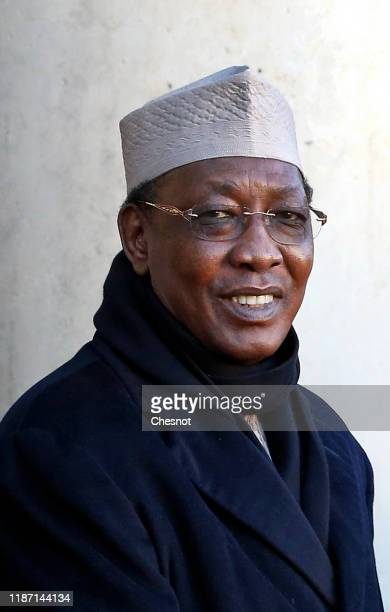 Tchad's president Idriss Deby arrives at the Elysee Presidential Palace for a lunch with French President Emmanuel Macron on November 12 2019 in...