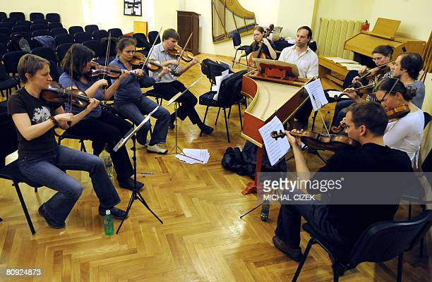 PONS TchquesItalieculturemusiqueVivaldi Violinist play with Czech conductor Ondrej Macek during the rehearsal of Antonio Vivaldi's lost and found...