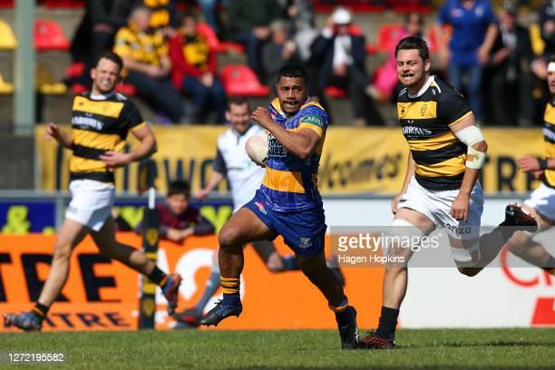 Te Toiroa Tahuriorangi of Bay of Plenty breaks away for a try during the round 1 Mitre 10 Cup match between the Taranaki Bulls and Bay of Plenty...