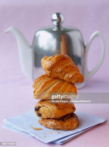 Tea and viennoiseries
