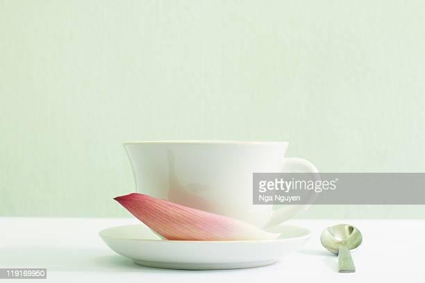 Tea cup with lotus petal