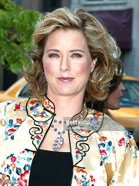 Tea Leoni during New York Premiere of 'Hollywood Ending' at Chelsea West Theatre in New York City New York United States