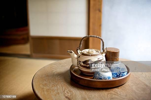 tea pot - 日本建築 ストックフォトと画像