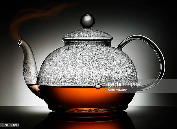 tea pot - condensa foto e immagini stock