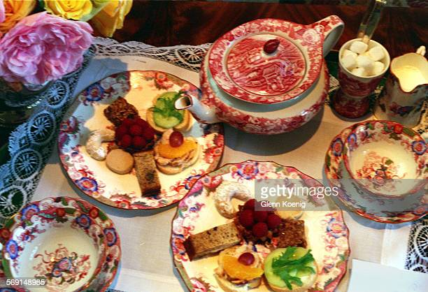 LSTea setClose1020GK–The casual tea service for two that was presented at the home of Ninetta Herbert Harbor Island Newport Beach ReporterBryant