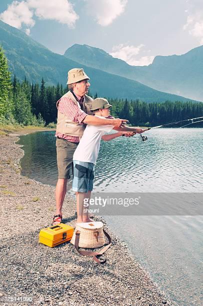 て魚を教える - 淡水釣り ストックフォトと画像