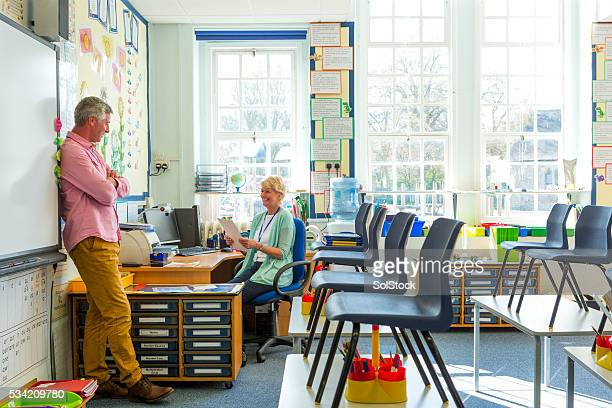 teacher staff meeting - staff meeting stock pictures, royalty-free photos & images