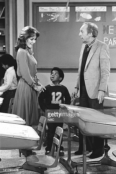 RENT STROKES Teacher's Pet Episode 23 Pictured Mary Ann Mobley as Nancy Osbourne Gary Coleman as Arnold Jackson Conrad Bain as Philip Drummond Photo...