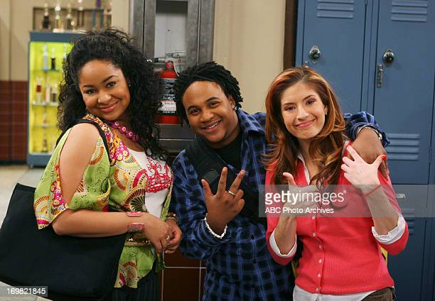 S SO RAVEN 'Teacher's Pet' Raven is excited when young teacher Courtney Dearborn takes over history class making the lessons fun When Raven hosts a...