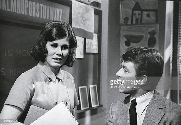 S FATHER 'Teacher's Pet' Season One 9/24/69 Ann Prentiss Bill Bixby on the ABC Television Network comedy 'The Courtship of Eddie's Father' When Tom...