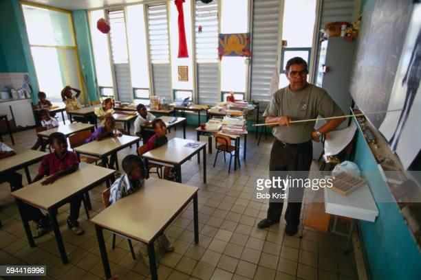 teaching students dutch - シント・ユースタティウス島 ストックフォトと画像
