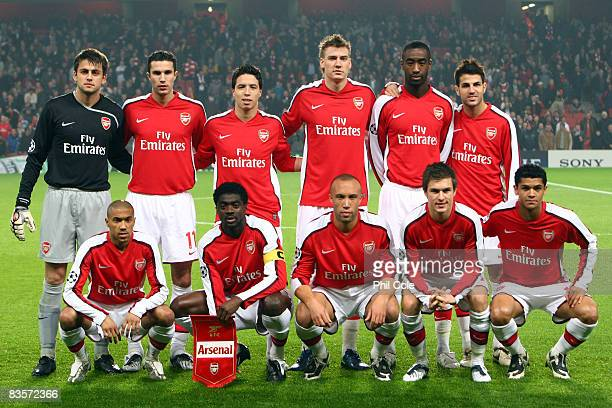 Team Arsenal pose for a picture before the UEFA Champions League Group G match between Arsenal and Fenerbahce at the Emirates Stadium on November 5...