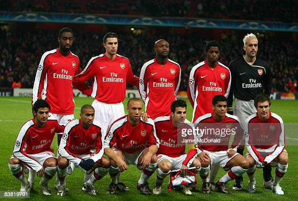 Team Arsenal pose for a picture before the UEFA Champions League Group G match between Arsenal and Dynamo Kiev at the Emirates Stadium on November...