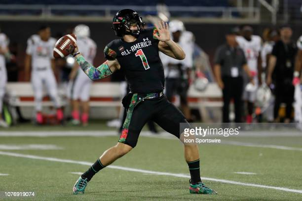 Team Ballaholics quarterback Bo Nix delivers a pass during the 2019 Under Armour AllAmerica Game between Team Ballaholics and Team Flash on January...
