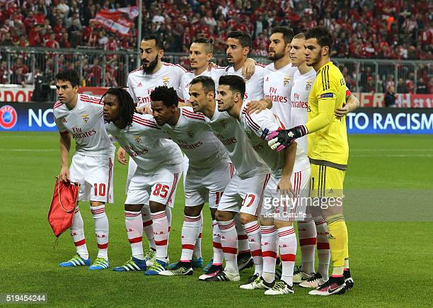 Team Benfica poses before the UEFA Champions League quarter final first leg match between FC Bayern Muenchen and SL Benfica Lisbon at Allianz Arena...