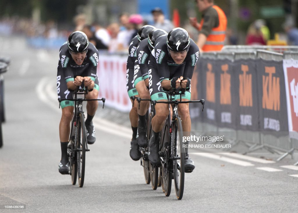 Team Bora - Hansgrohe from Germany compete in the men\'s elite Team ...